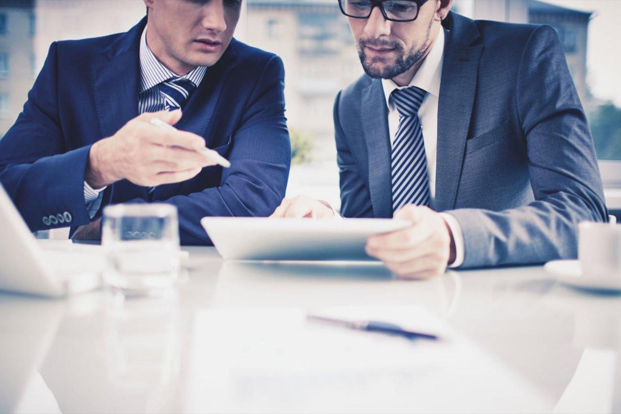 مشاوری متخصص و امین برای مشتری باشید